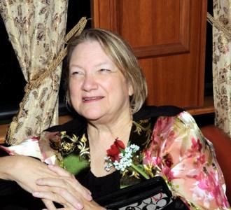 Rosalee  Holt