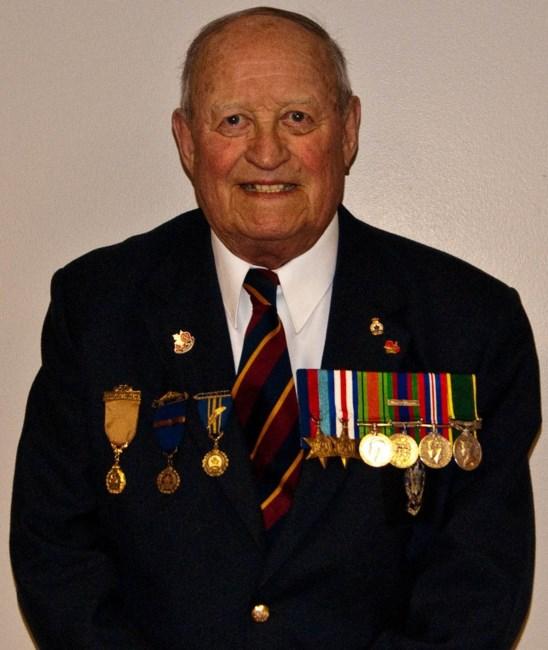 Arthur Holden