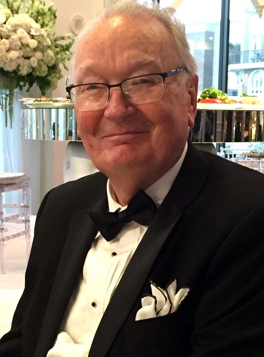 Walter Lynn  Hunt M.D.