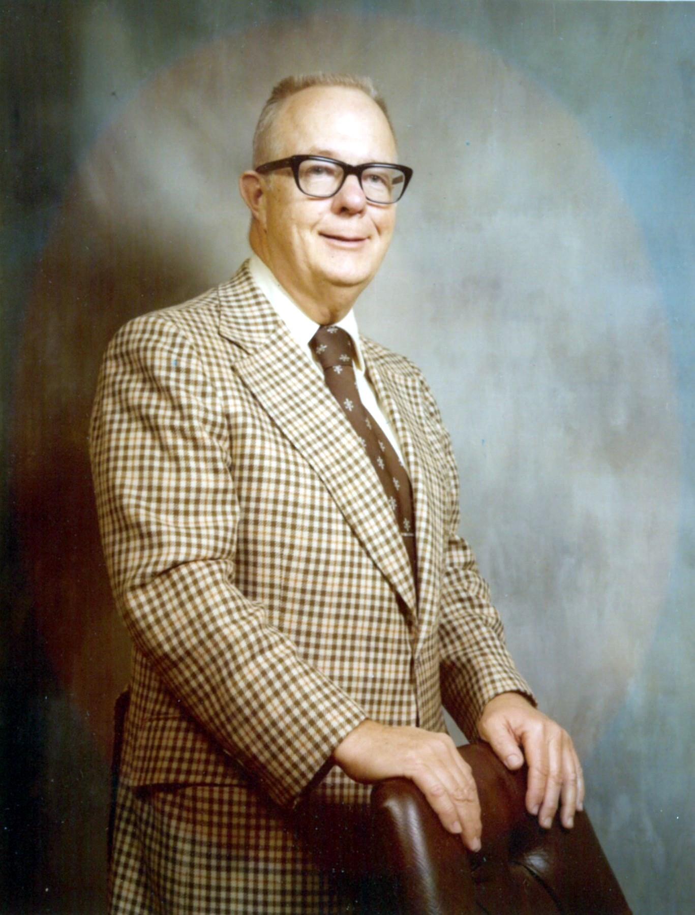 Dr.  Raymond Henry  Tull Jr.