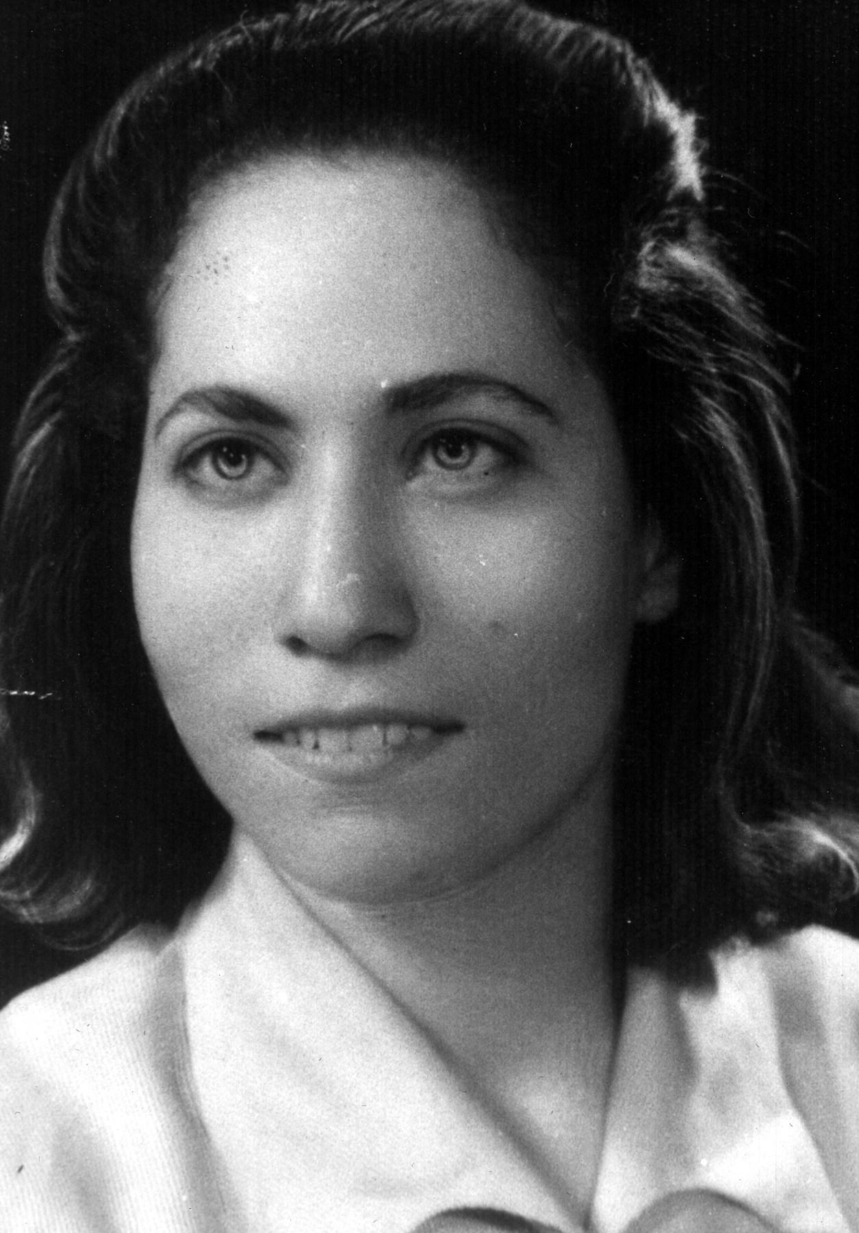 Aziza  Buentello
