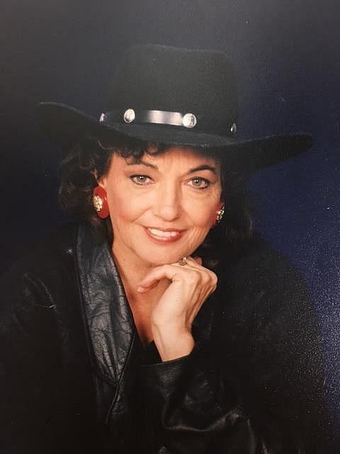 Naomi Lee  Hoffman