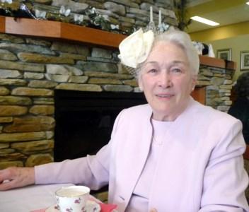 Doreen Edith  Petersen