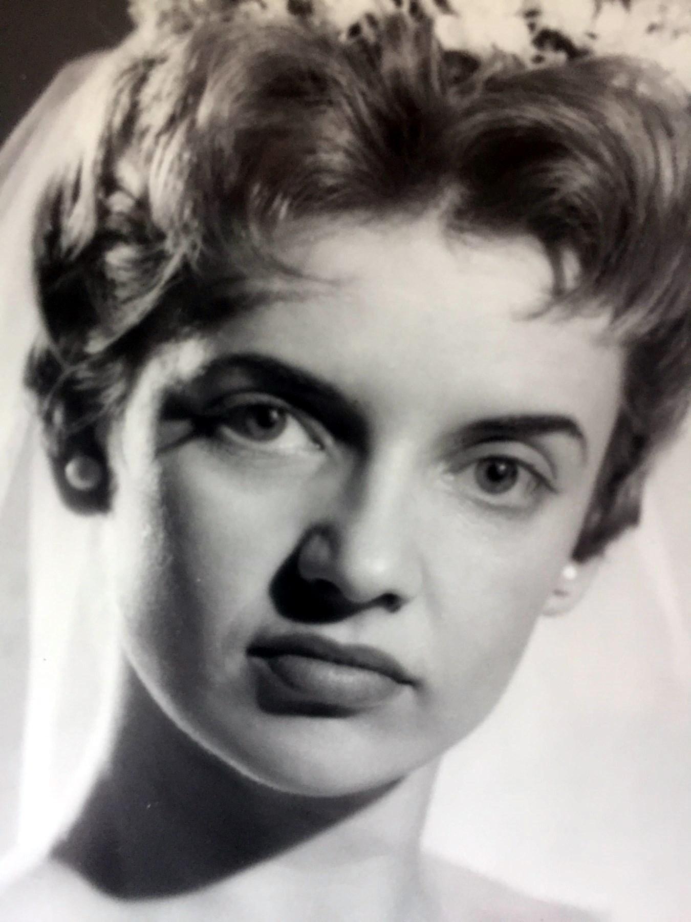 Agnes  Glenn