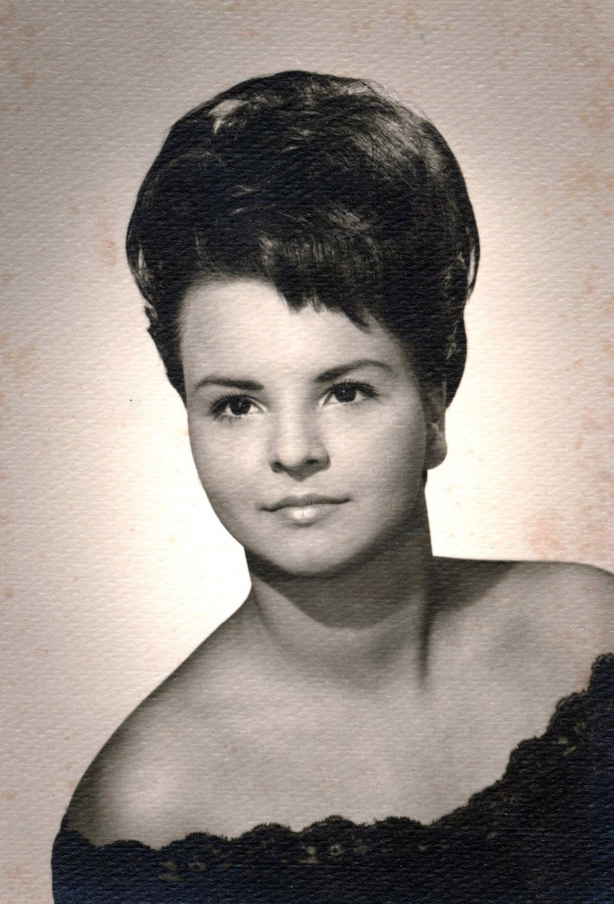 Linda Kay  Jones