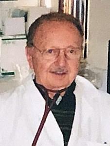 Léopold  Genest