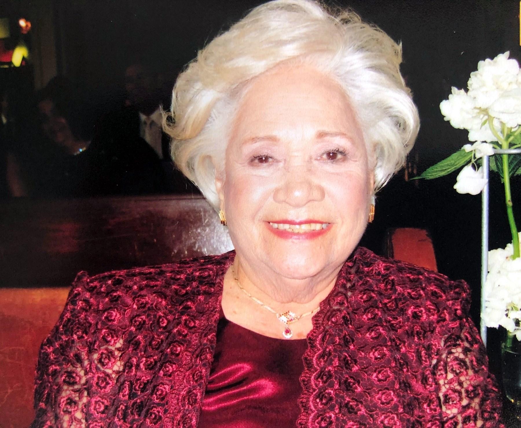 """Luz """"Lucita"""" María  González Castro"""