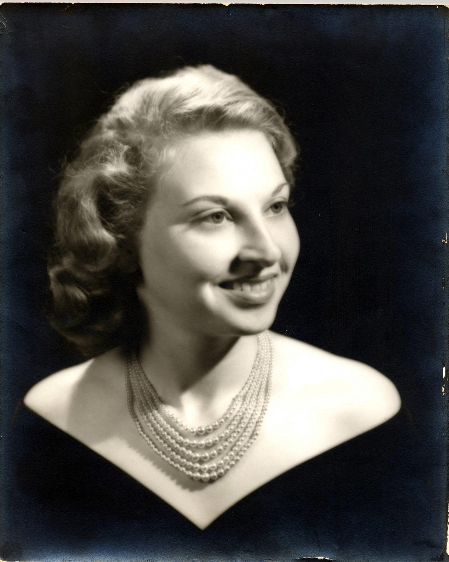 Loretta Bell  Thompson