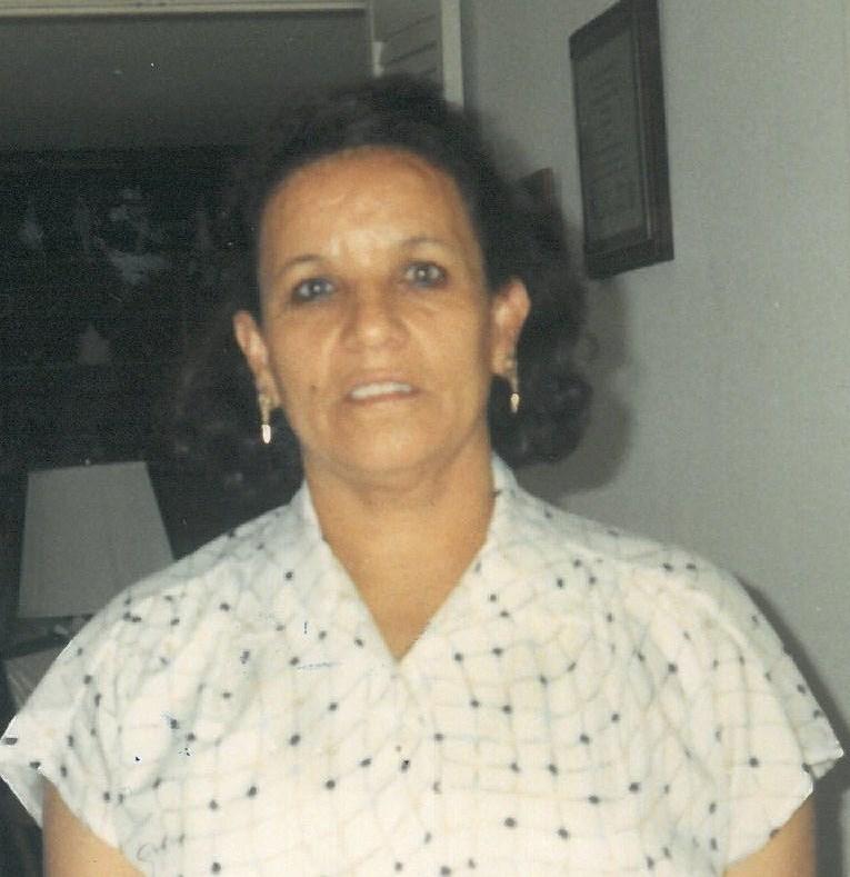 Ester  Ghali