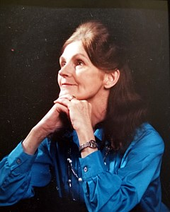Doreen Joan  Helm