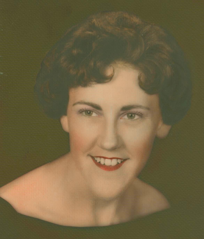 Laura Mae  Chmiel