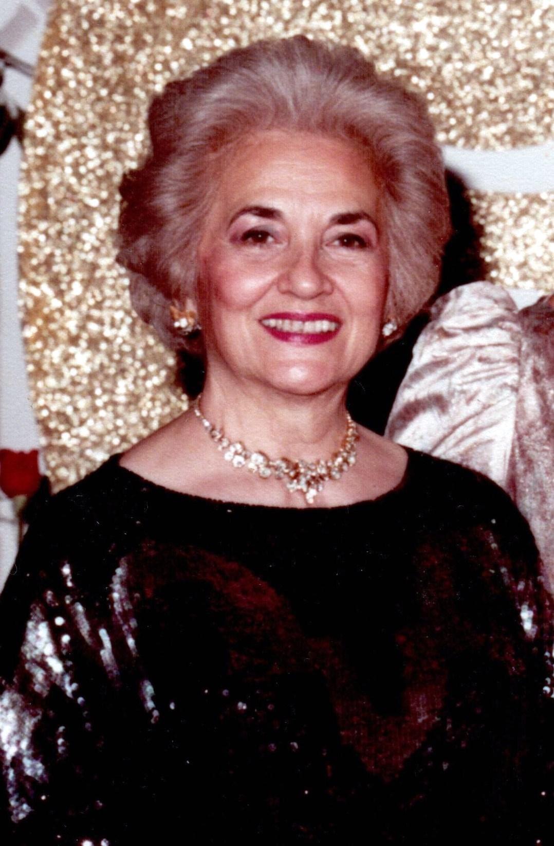 Zoe D  Canellis