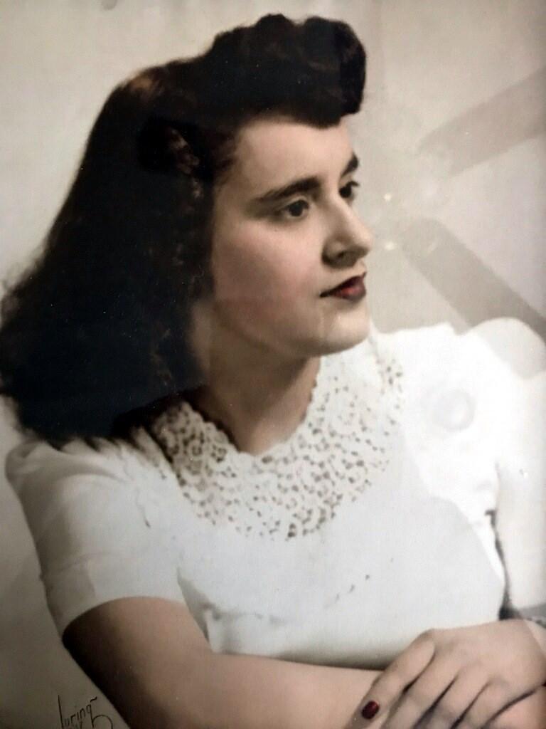 Effie  Kapothanasis