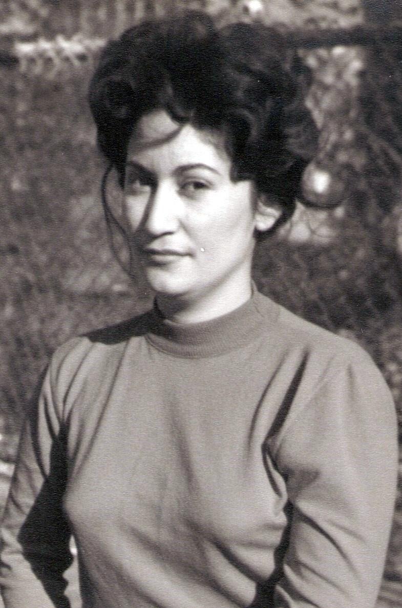 Ana J  Martinez