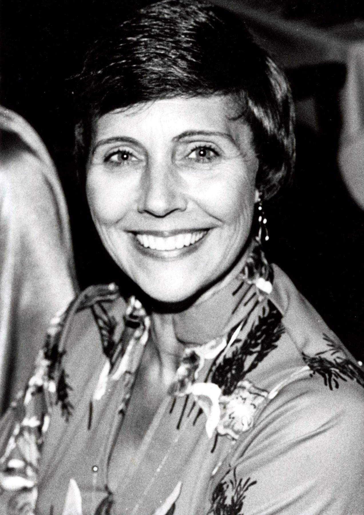 Alma Elizabeth  Handley
