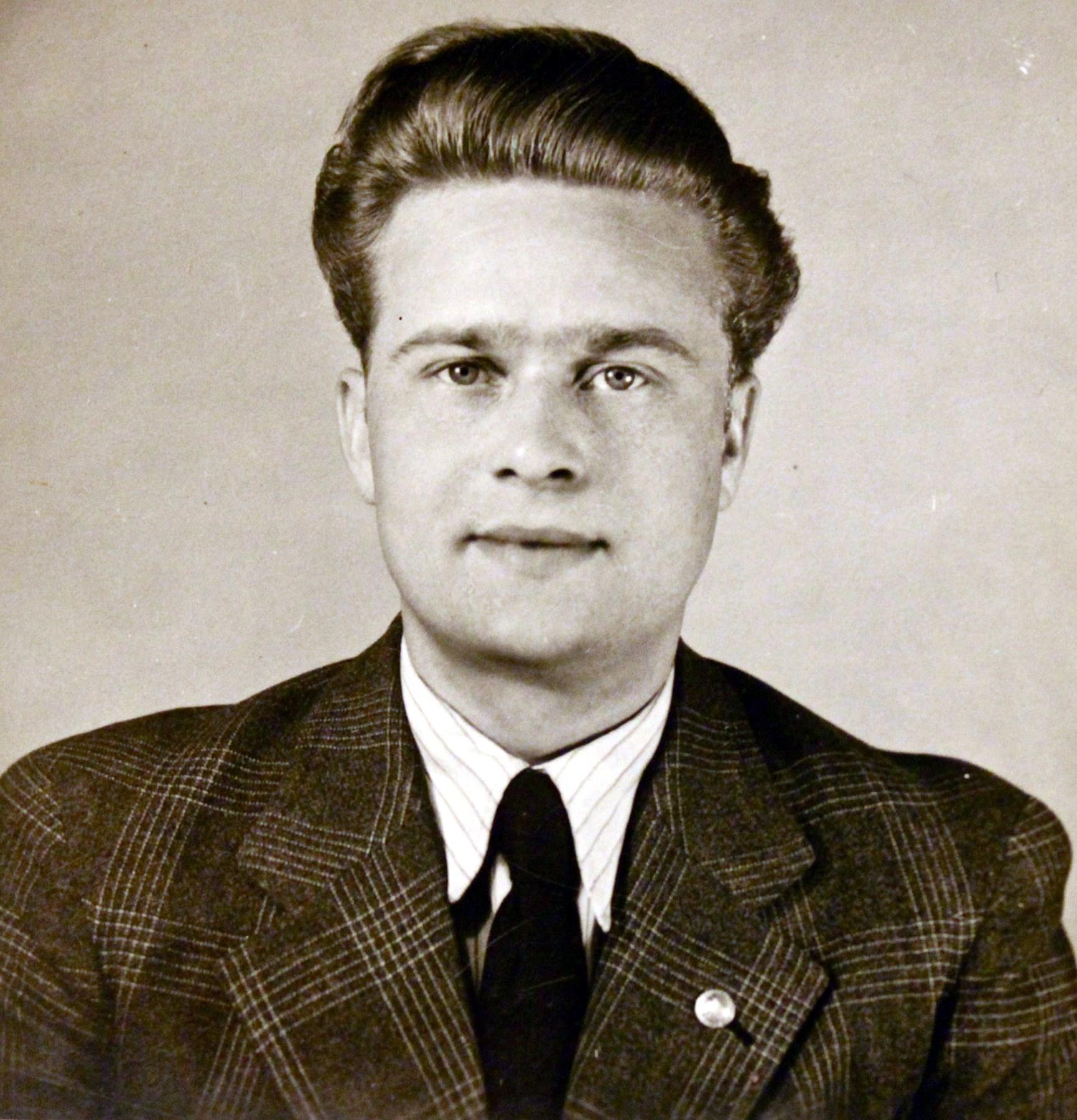 Chester Kaszmir  Ulrych