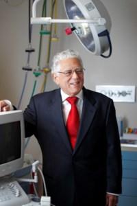 Carlos  Acosta, M.D.
