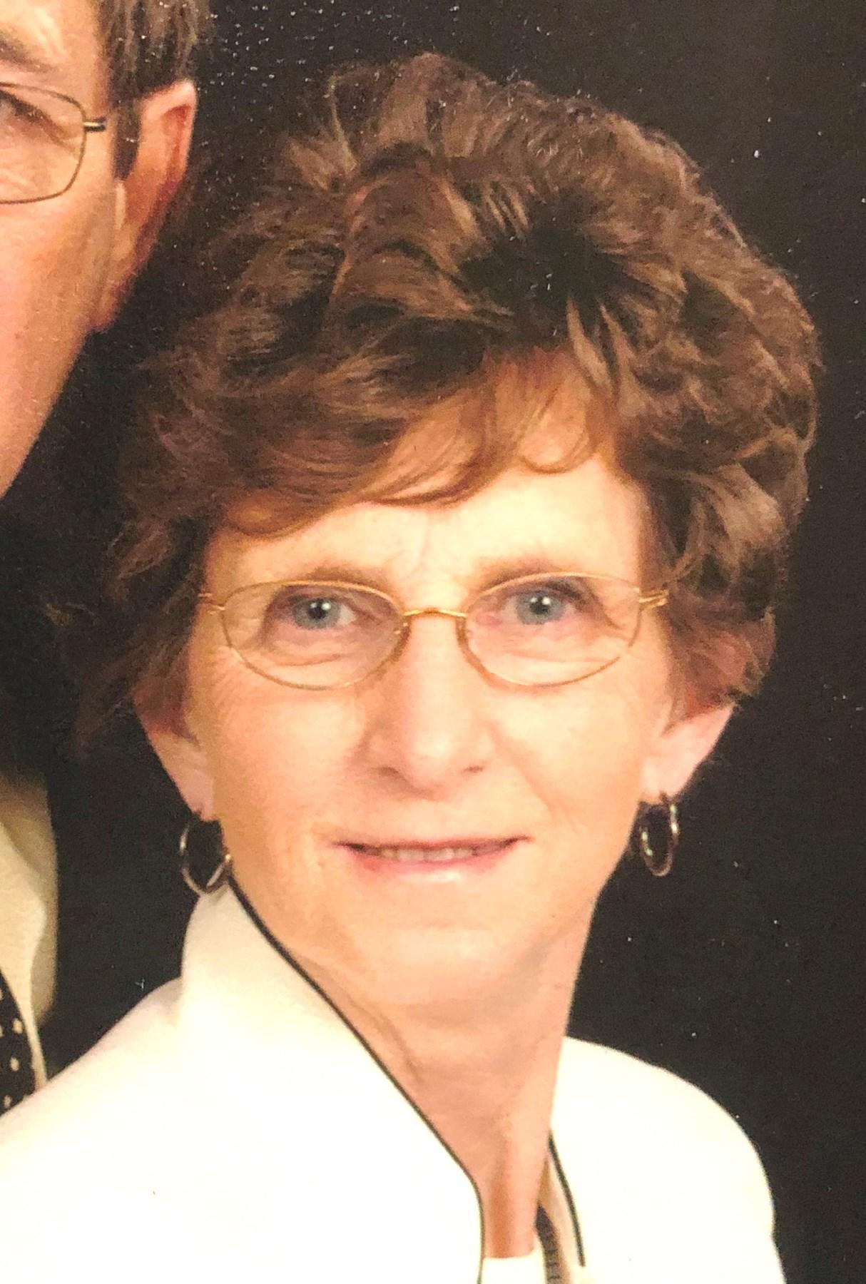 Sandra (Sande) Kay  Wolcott