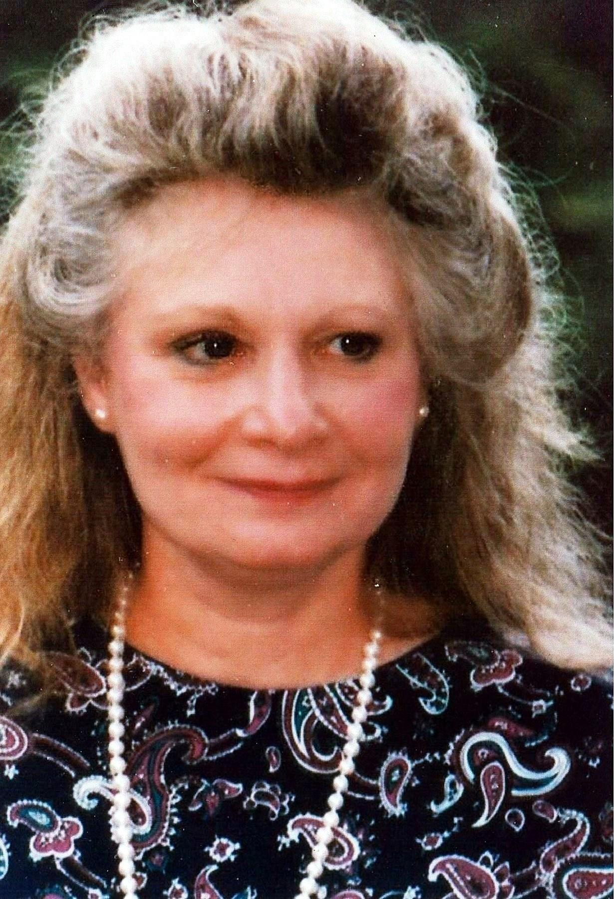 Beverly  J. (Everett)   Edlund