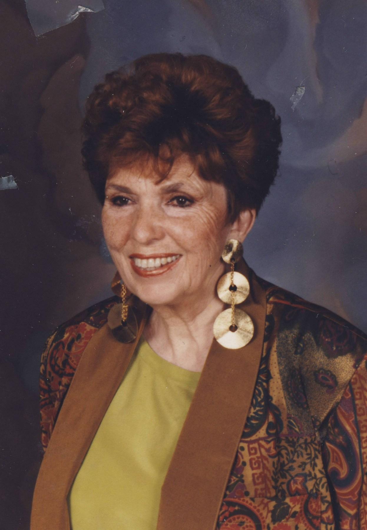 Tina Munim (now Tina Ambani),Carol Lynn Maillard Sex tube Roberta Gemma,Helen Reddy