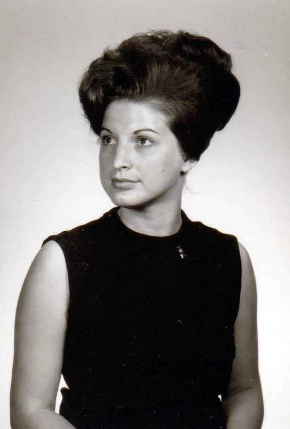 Carolyn Lee  Beining