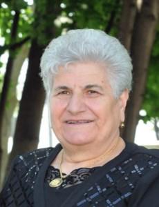 Eva  Caucci