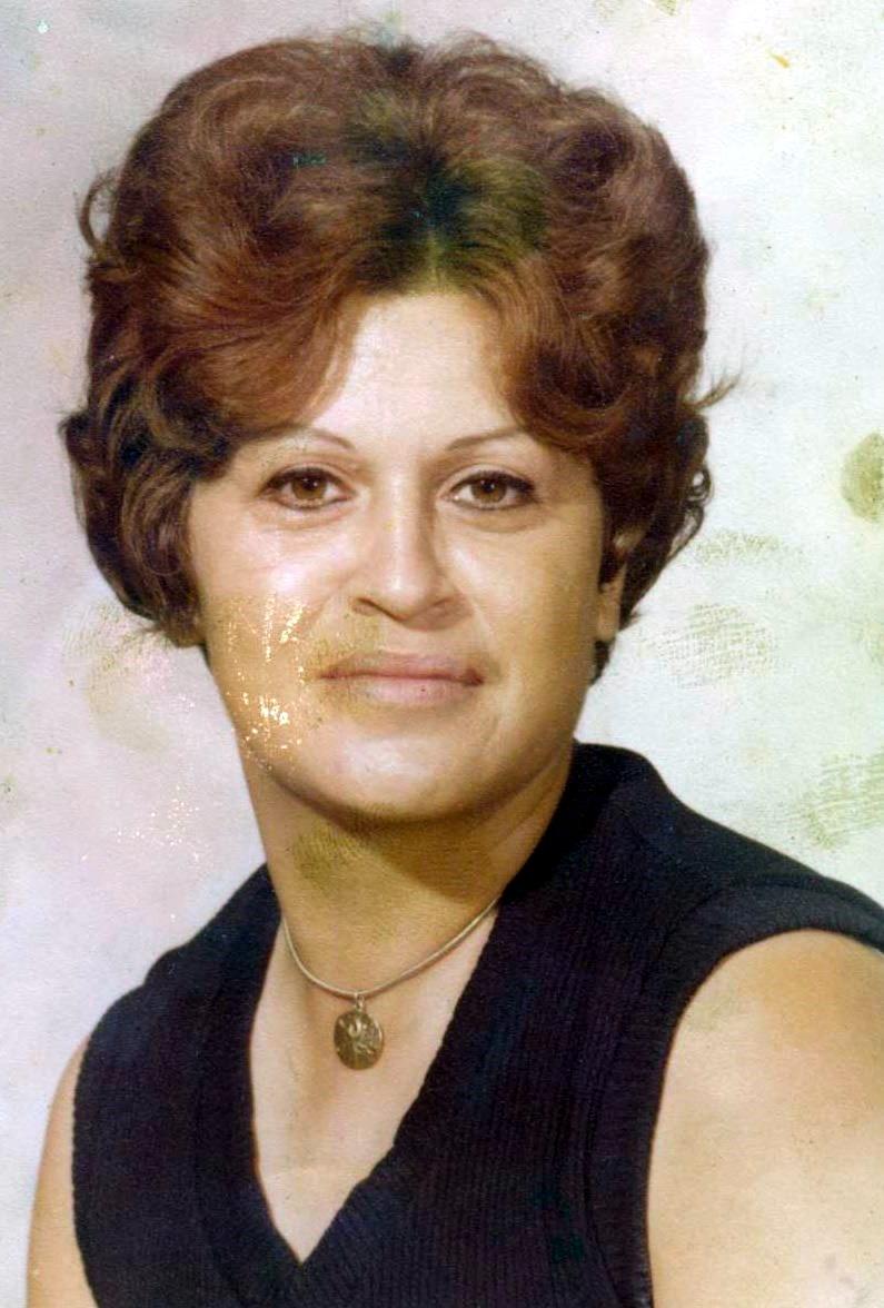 Eva Cantu  De La Rosa