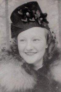 Lilliane Rolande  Manganello