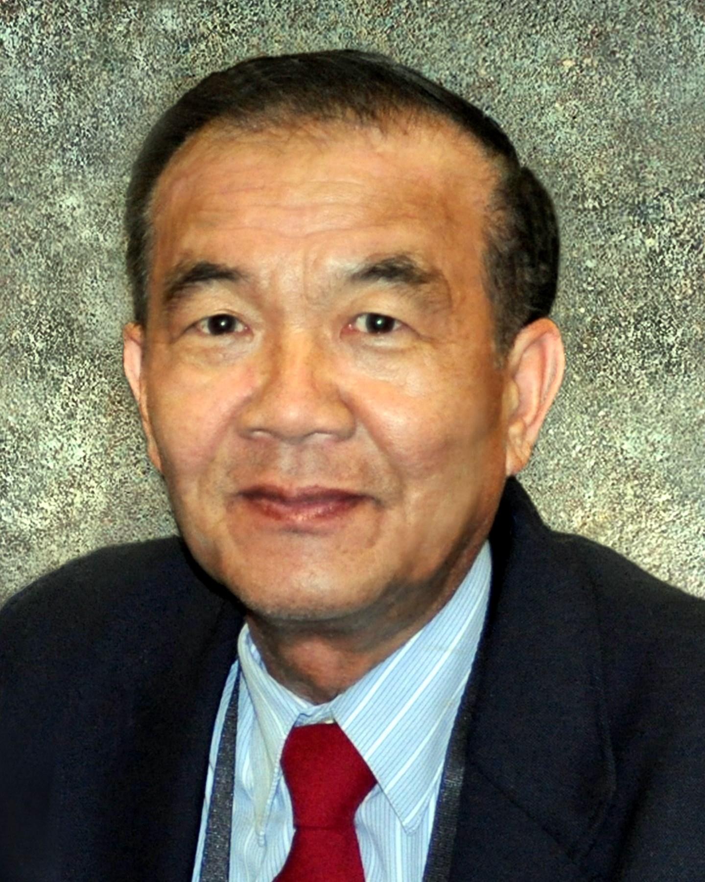 Vuong  Hoang