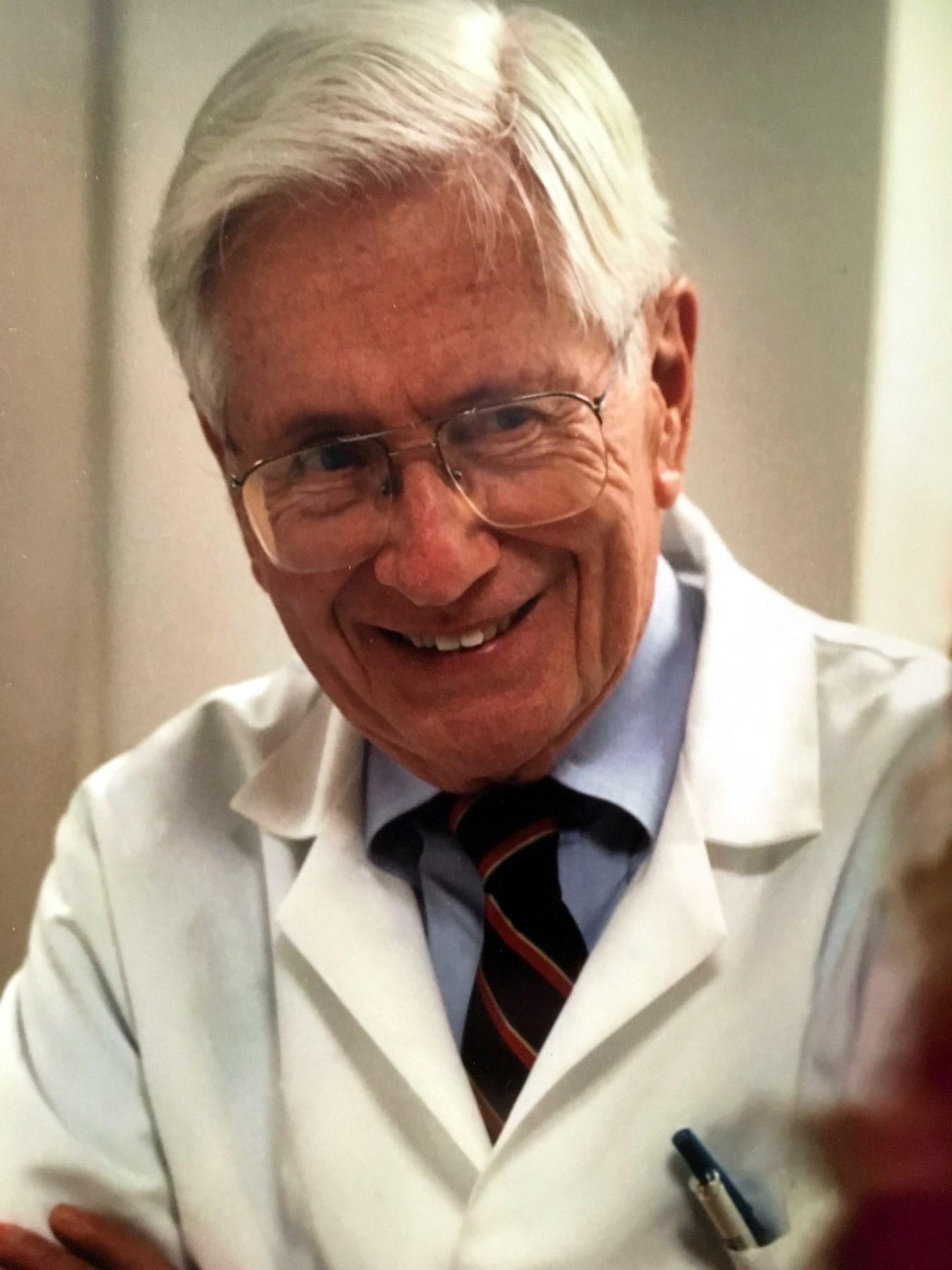 Dr. Gregory Morris  Dillard Jr.