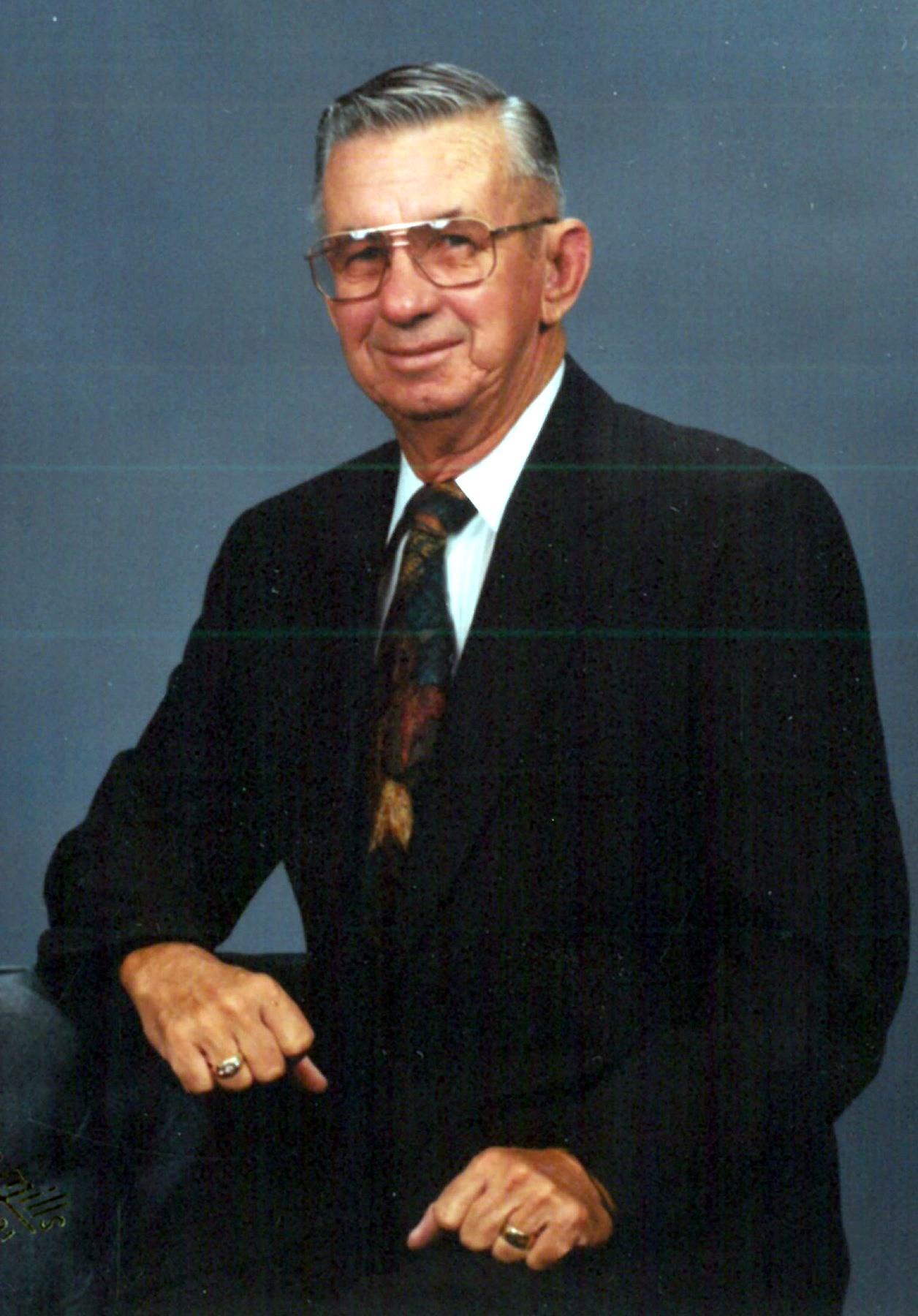 Lawrence Eugene  Lundgren