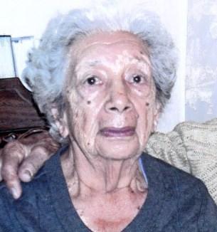 Anna  Estrada