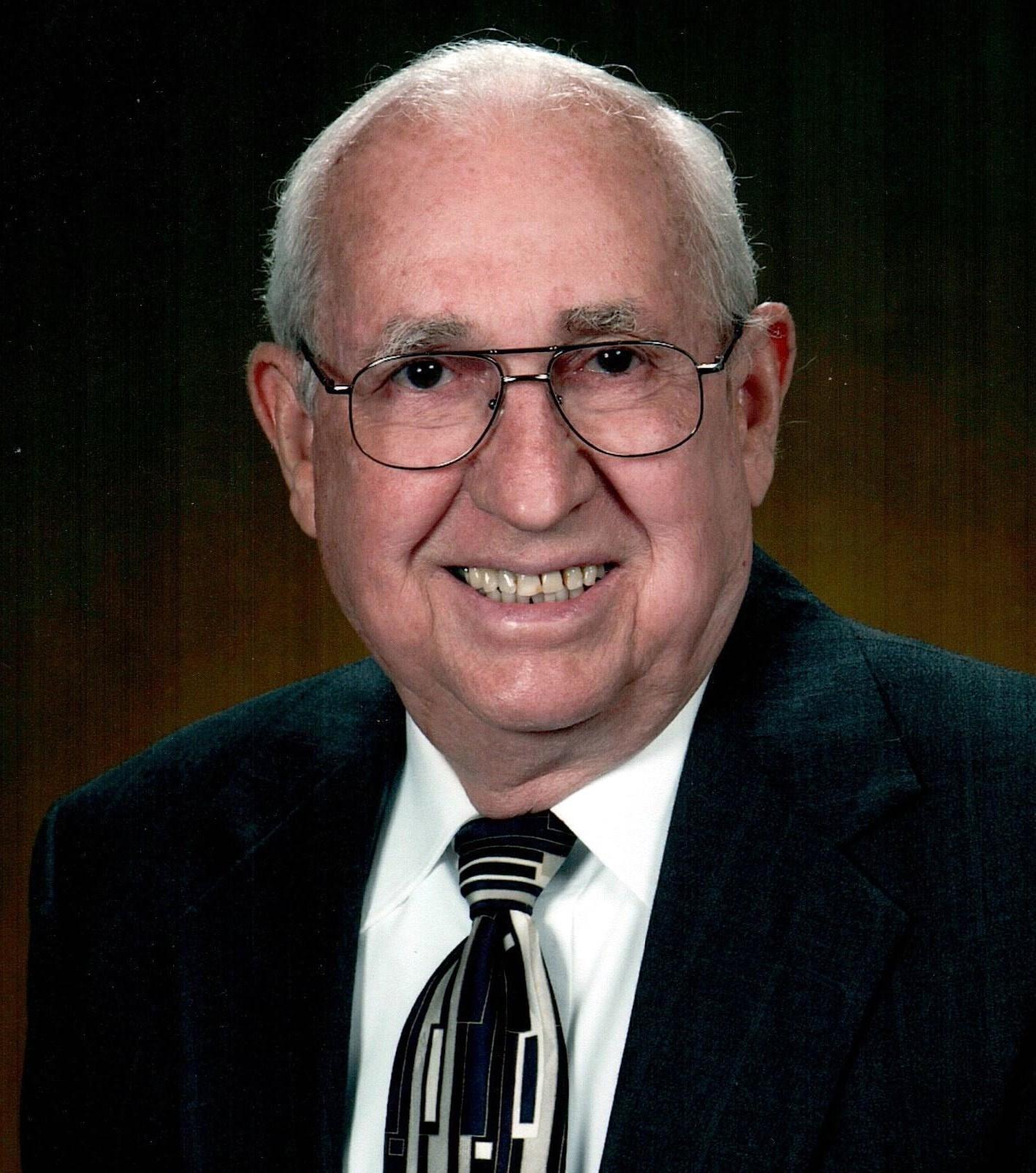 William E.  Hubbard Sr.