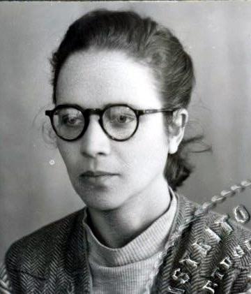 Adelina  Dias