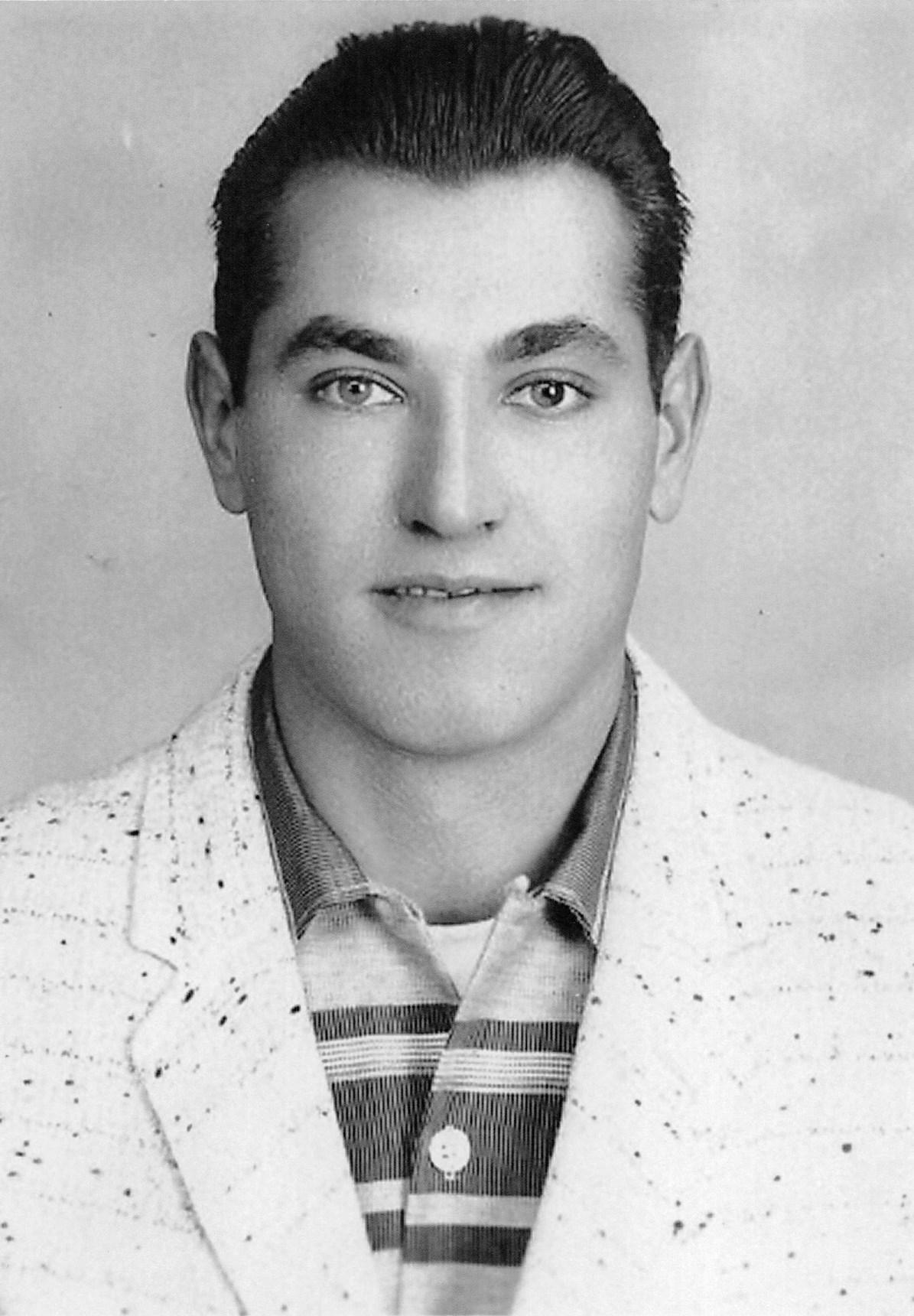 Manuel Tavares De Medeiros Obituary - Kitchener, ON