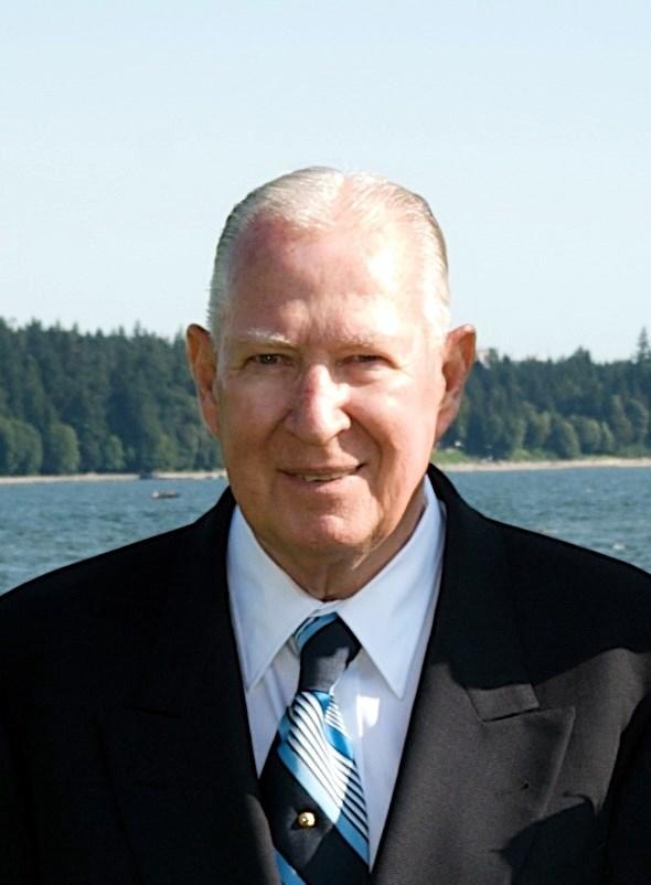 Mr. Gerald William   Findlater