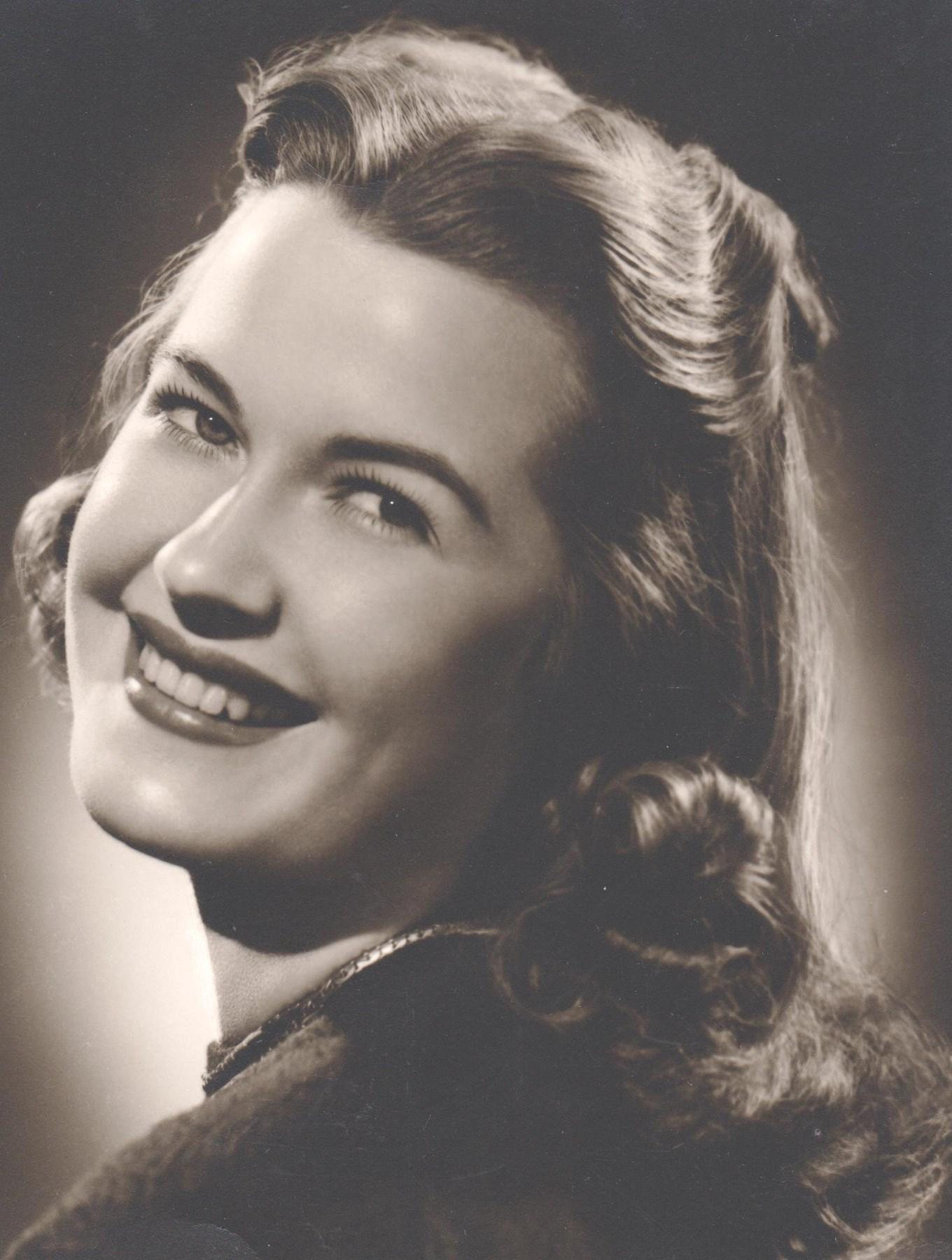 Dolores Eileen  Stoneking