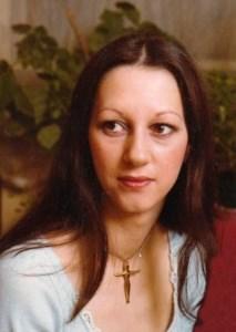 Joanne  Noble