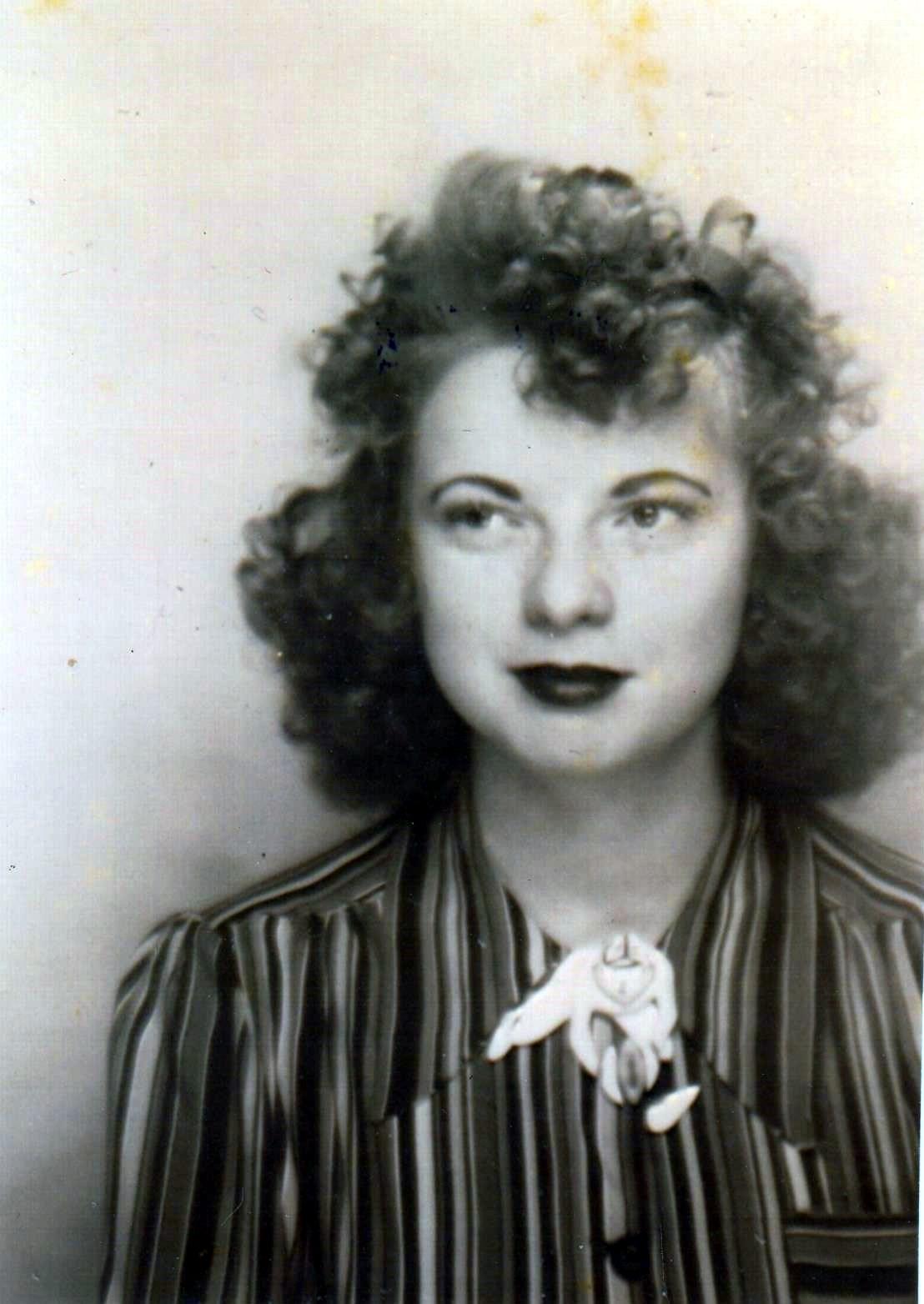Lois E.  Gunter