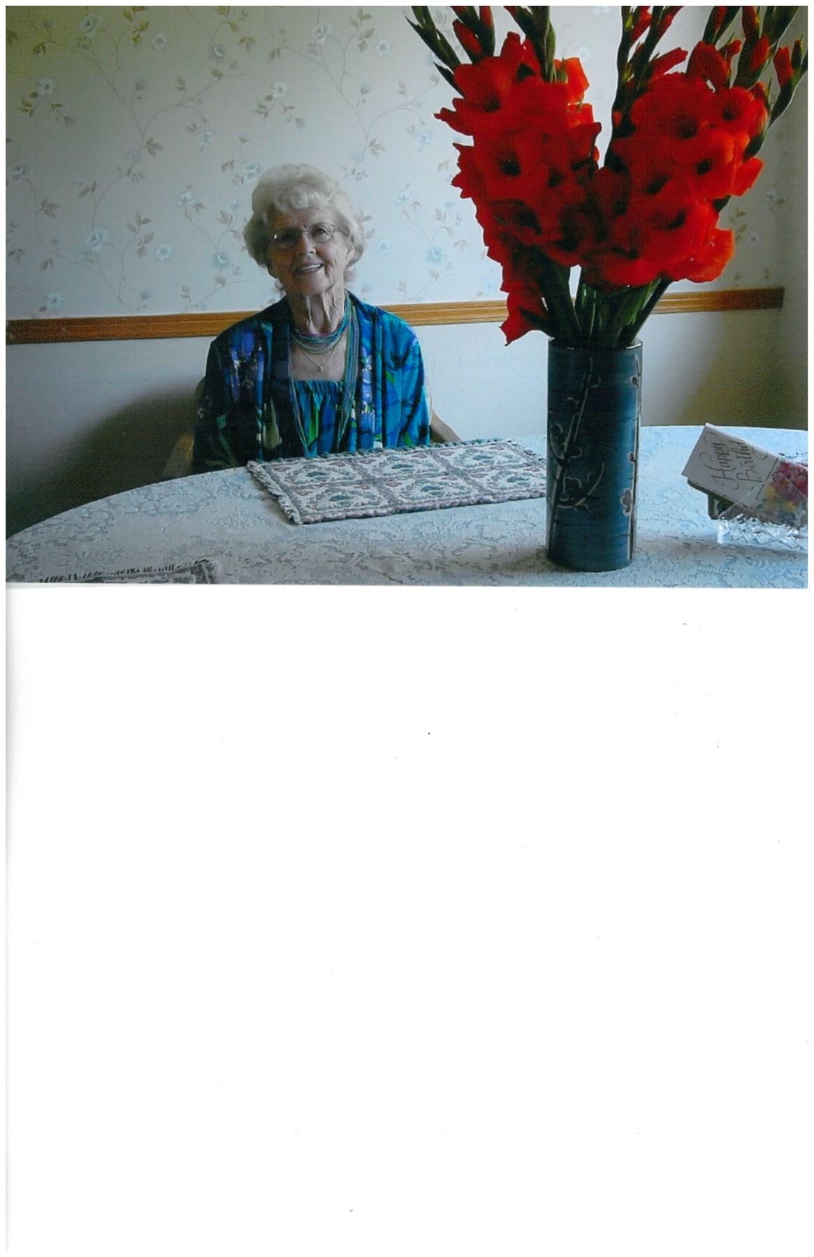 Maxine Ruth  Wolcott