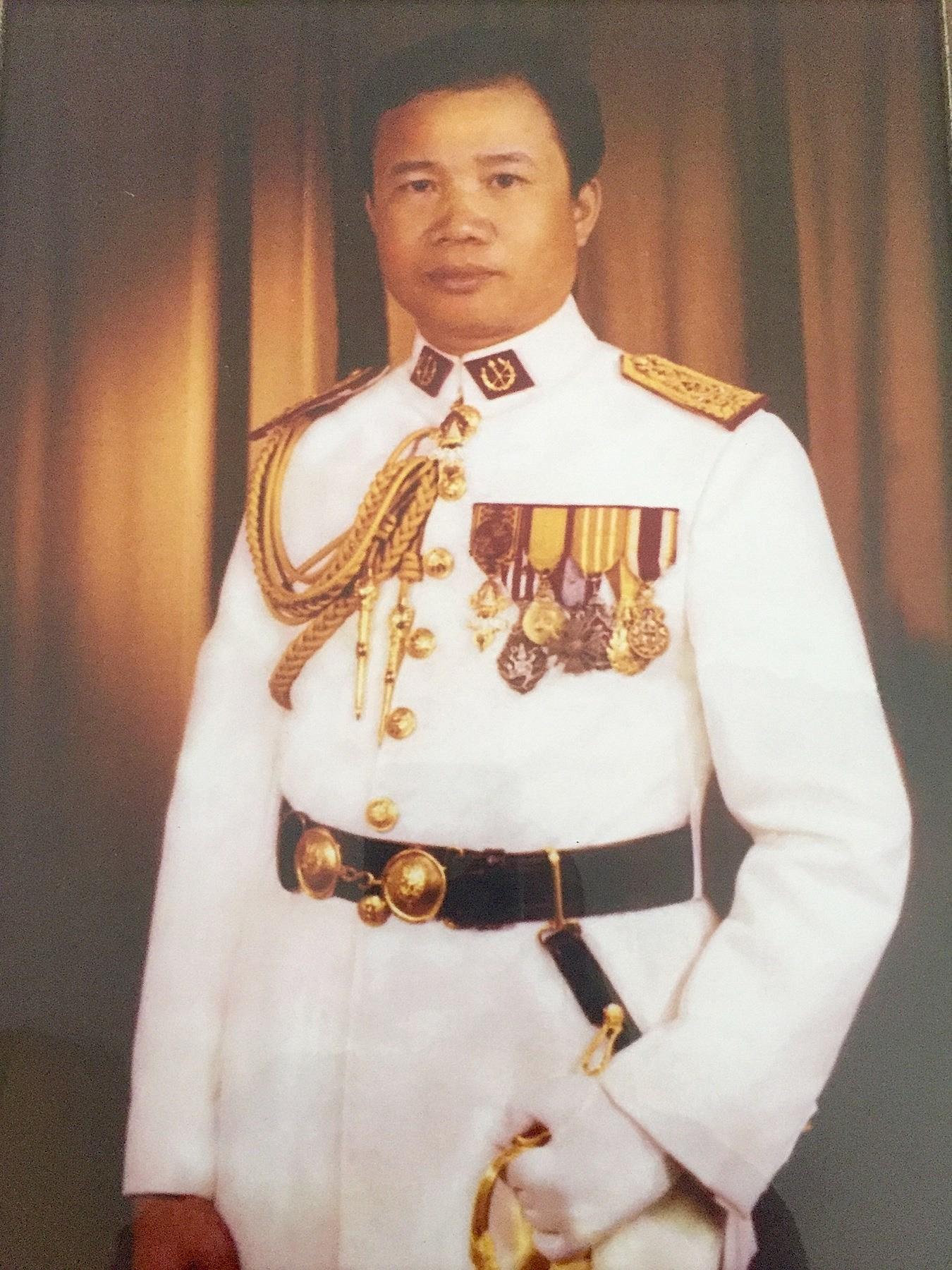 General Bouathong  Phothivongsa
