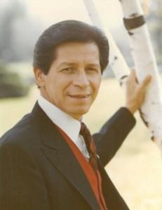Louie  Hernandez