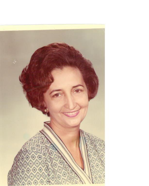 Mrs. Maria  Landa