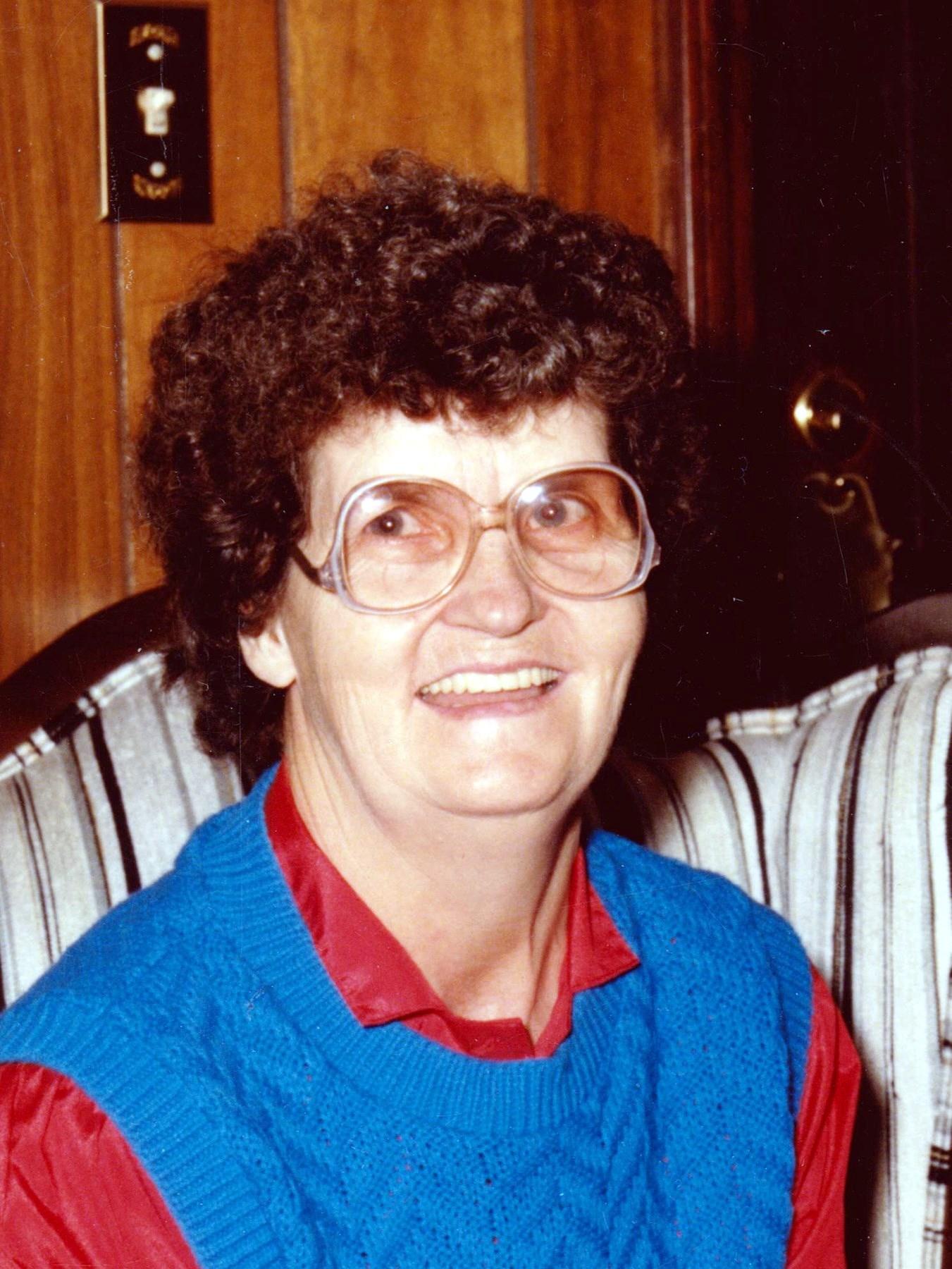 Artie Jeanette  Howle